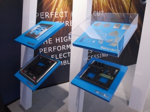 custom exhibition design build